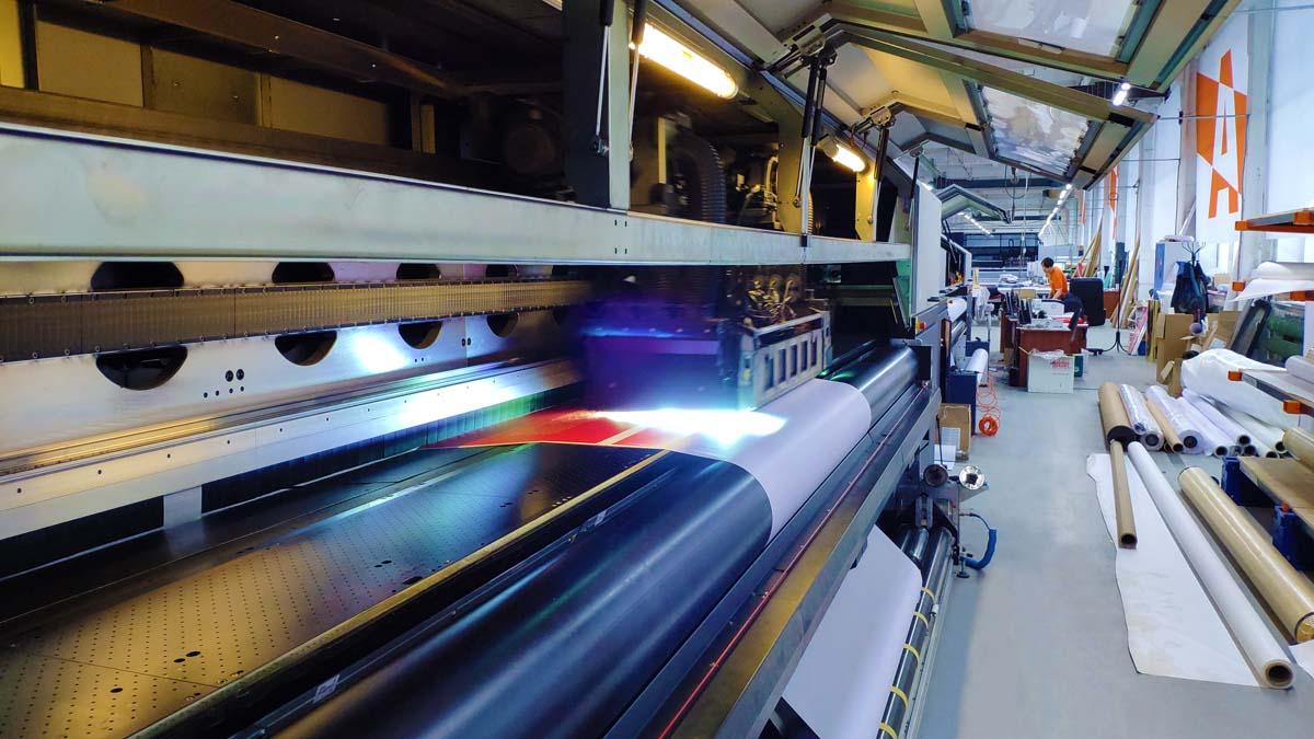 Цифровые печатные  машины Durst открывают широкие перспективы.