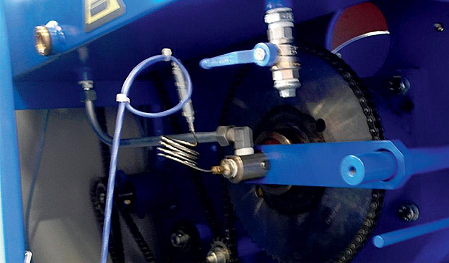 Датчик температуры снабжен коннектором, что избавляет от необходимости протягивания провода внутри всей конструкции при его демонтаже