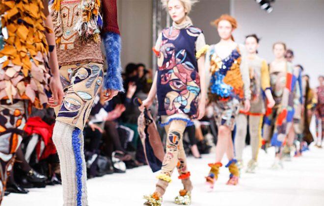 модный показ цифрового текстиля